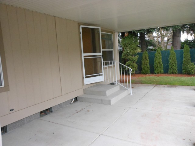 Covered patio area 3
